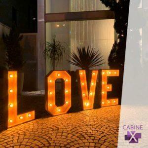 locação de letreiro LOVE
